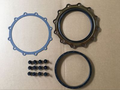 Cummins M11 Rear crankshaft seal 4923644